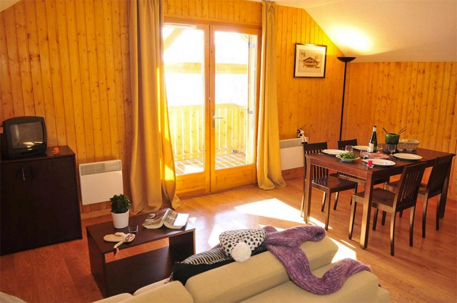 Vakantie in de bergen Les Chalets des Ecourts - Saint Jean d'Arves - Woonkamer
