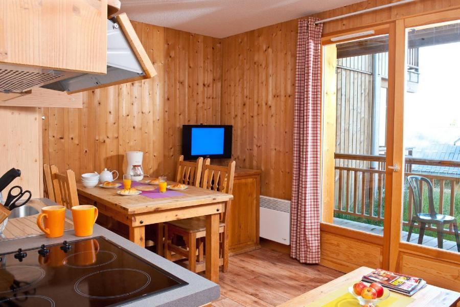 Urlaub in den Bergen Les Chalets du Berger - La Féclaz - Essbereich