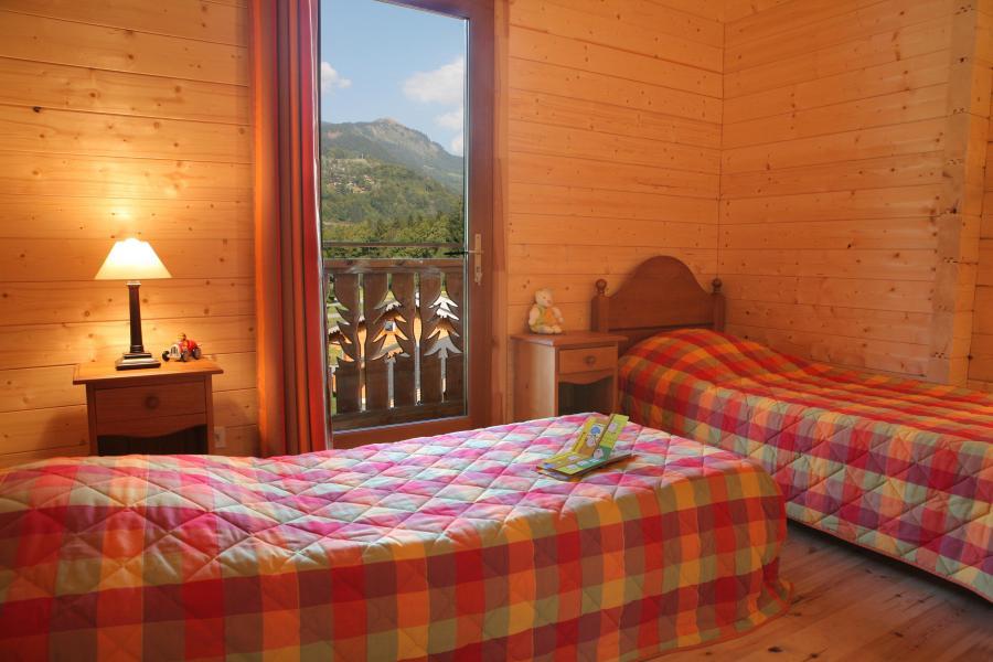Holiday in mountain resort Les Chalets du Bois de Champelle - Morillon - Bedroom