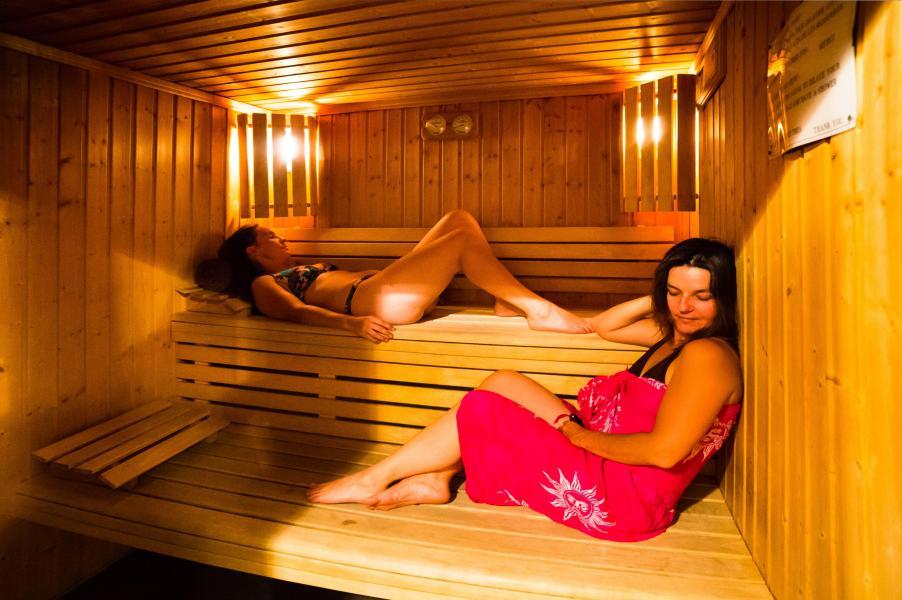 Urlaub in den Bergen Les Chalets du Bois de Champelle - Morillon - Sauna