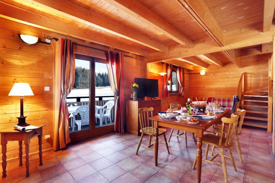 Urlaub in den Bergen Les Chalets du Bois de Champelle - Morillon - Tisch