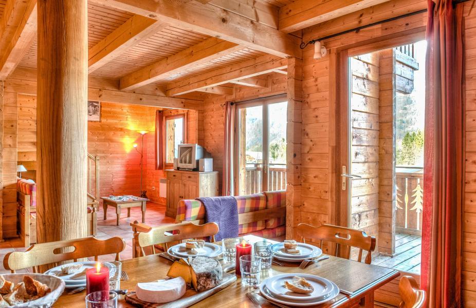 Urlaub in den Bergen Les Chalets du Bois de Champelle - Morillon - Wohnzimmer
