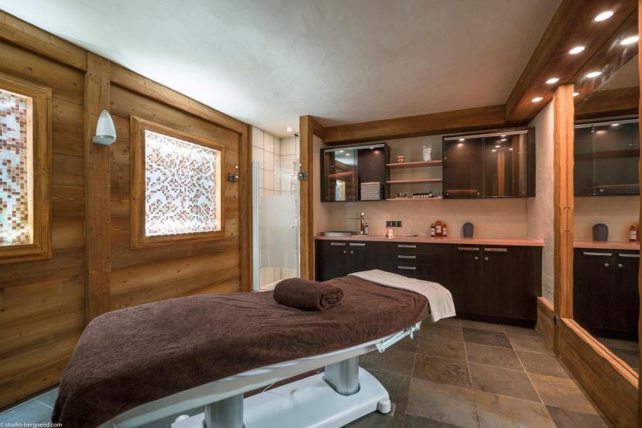 Vacances en montagne Les Chalets du Gypse - Saint Martin de Belleville - Massage