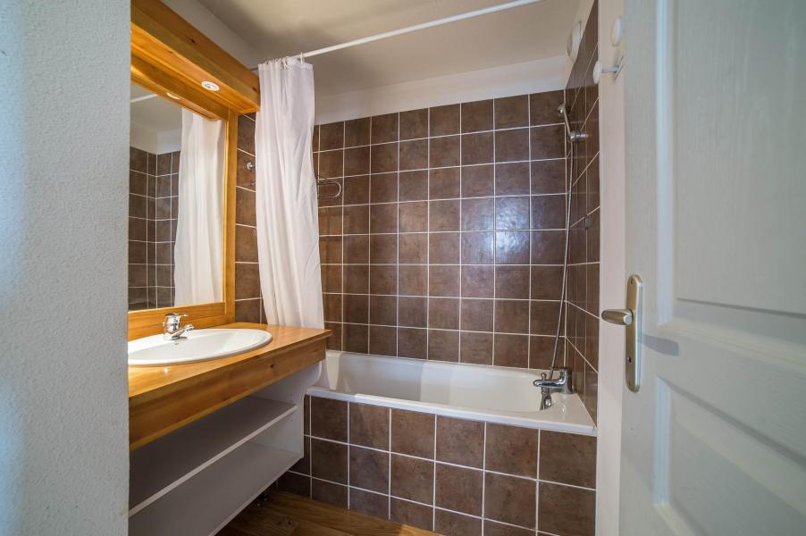 Vacances en montagne Les Chalets du Hameau des Aiguilles - Albiez Montrond - Salle de bains