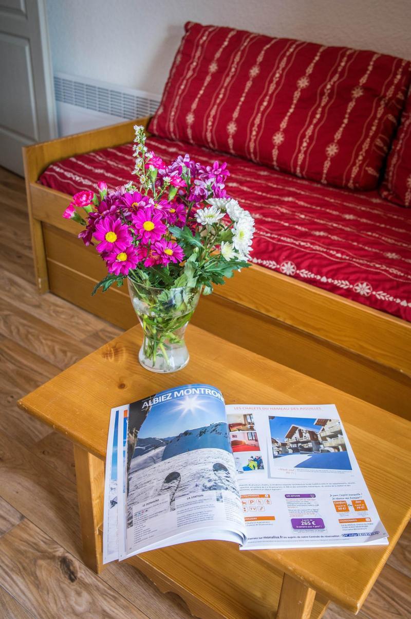 Urlaub in den Bergen Les Chalets du Hameau des Aiguilles - Albiez Montrond - Wohnzimmer