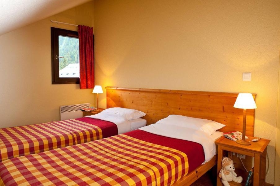 Vacances en montagne Les Chalets du Thabor - Valfréjus - Lits twin