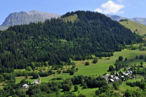 Vacances en montagne Les Chalets Goelia - La Toussuire - Extérieur été