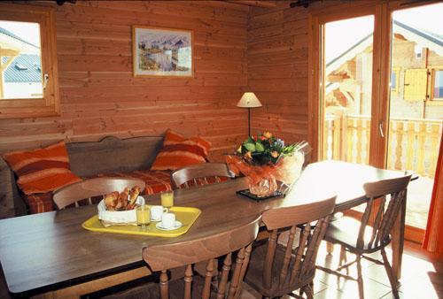 Vacances en montagne Appartement 3 pièces 6 personnes - Les Chalets Goelia - La Toussuire - Coin repas