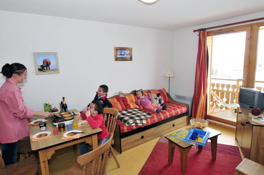 Urlaub in den Bergen Les Chalets Goélia - La Toussuire - Wohnzimmer