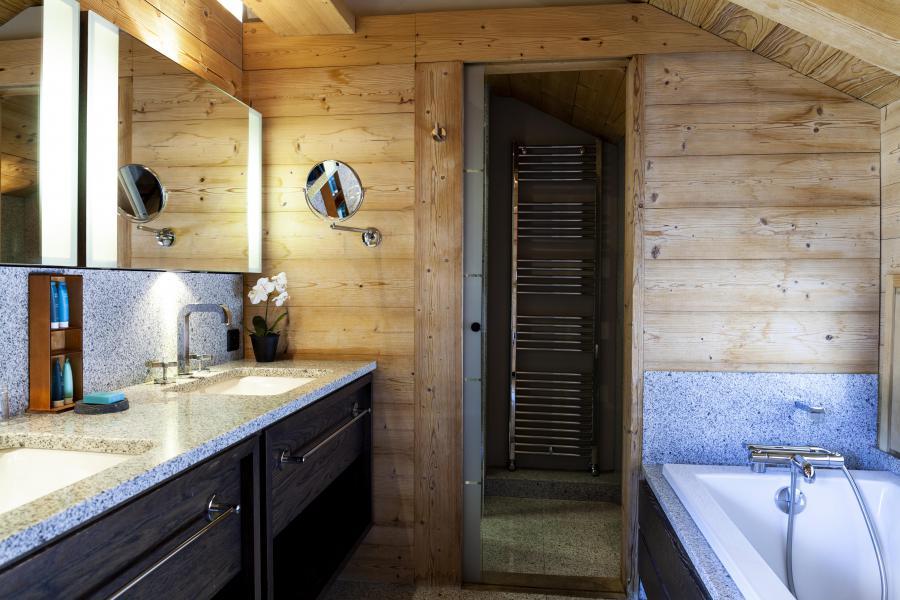 Vacances en montagne Les Chalets Les Granges d'en Haut 1 - Les Houches - Baignoire