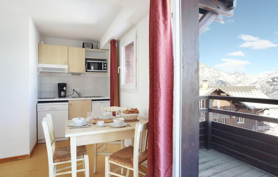 Vacanze in montagna Les Chalets Puy Saint Vincent - Puy-Saint-Vincent - Cucinino