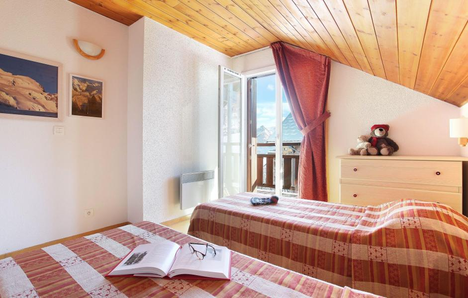 Vacances en montagne Les Chalets Puy Saint Vincent - Puy-Saint-Vincent - Lit simple