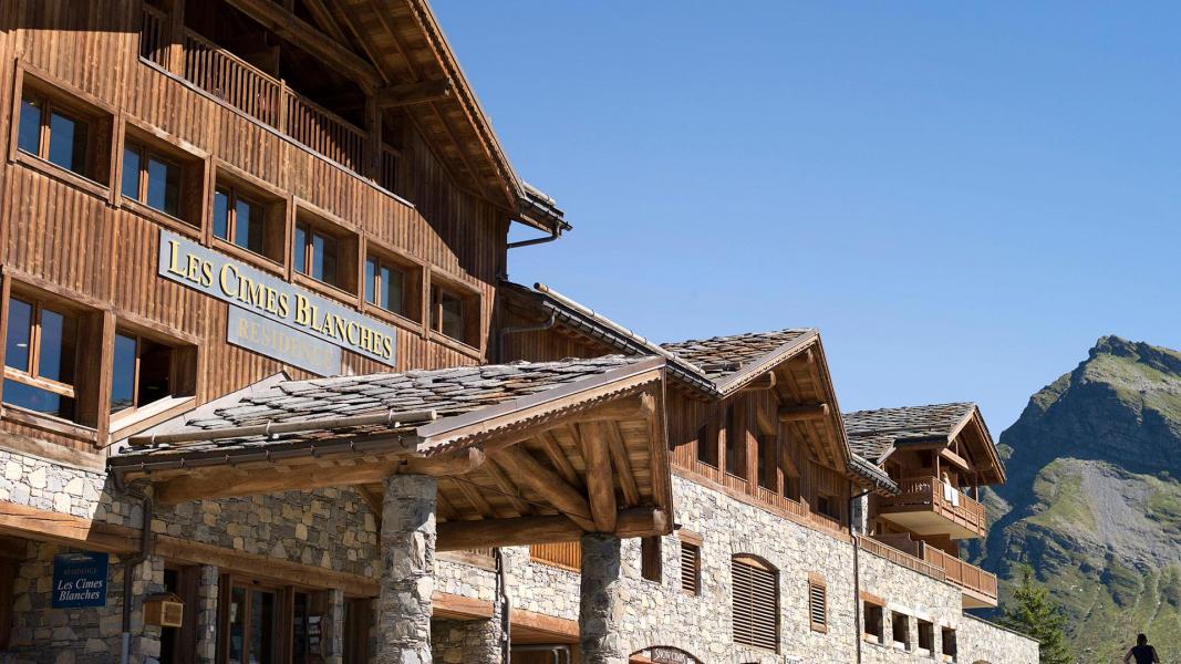 Vacances en montagne Les Cimes Blanches - La Rosière - Extérieur été