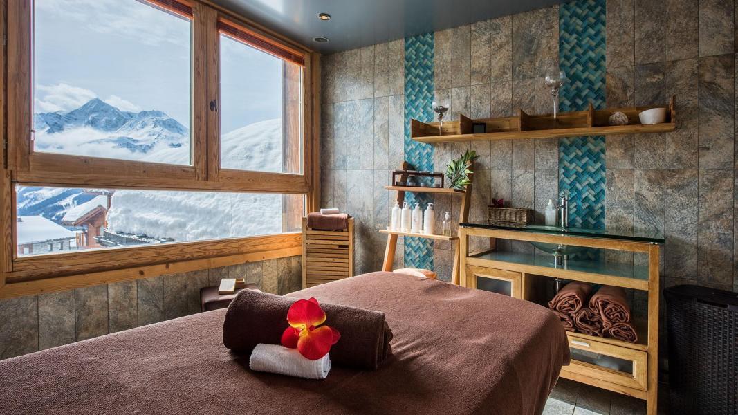 Vacances en montagne Les Cimes Blanches - La Rosière - Massage