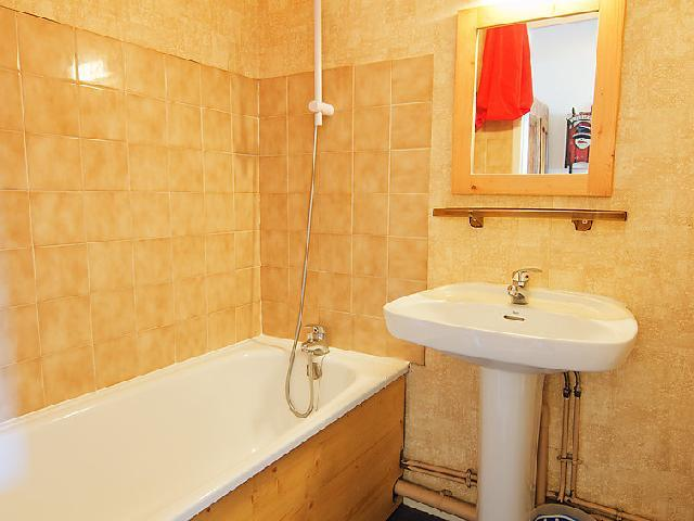 Holiday in mountain resort 1 room apartment 4 people (10) - Les Cîmes de Caron - Val Thorens - Accommodation