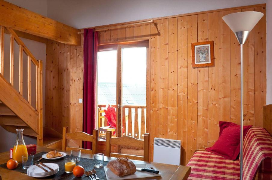 Holiday in mountain resort Les Fermes de Saint Sorlin - Saint Sorlin d'Arves - Living area