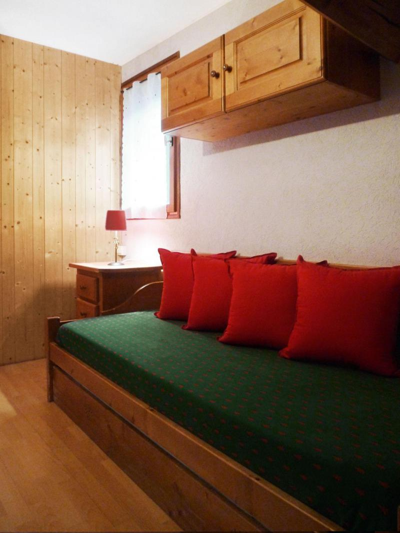 Holiday in mountain resort 6 room apartment 12 people (6) - Les Fermes du Planet - Valloire - Settee