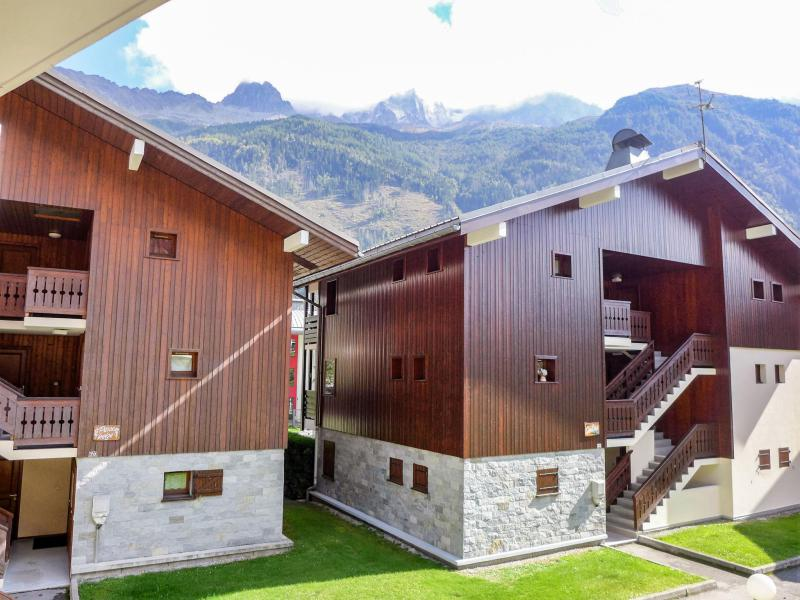 Holiday in mountain resort 3 room apartment 4 people (5) - Les Jardins du Mont-Blanc - Chamonix - Summer outside