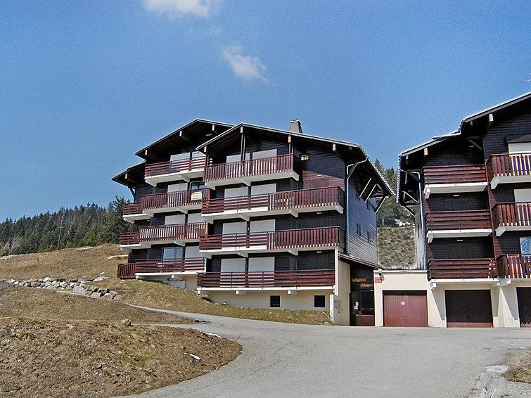 Holiday in mountain resort 2 room apartment 6 people (1) - Les Maisons des Bois - La Clusaz - Summer outside