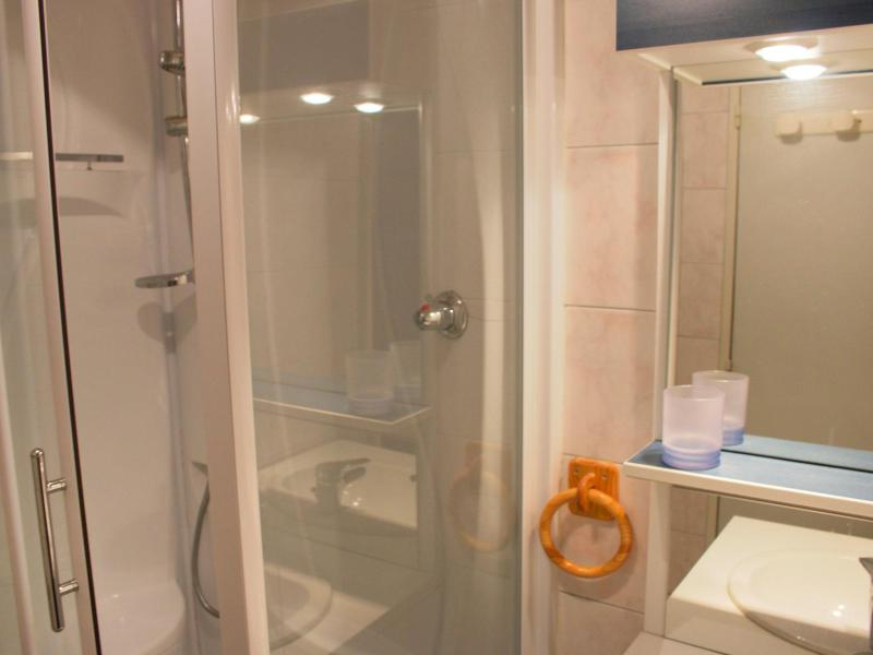 Holiday in mountain resort Studio sleeping corner 4 people (2) - Les Pistes - Tignes - Shower