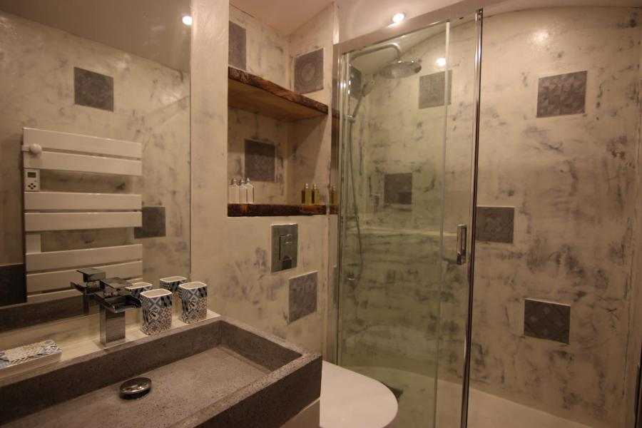 Holiday in mountain resort Studio cabin 4 people (12H) - Les Temples du Soleil Cuzco - Val Thorens - Shower room