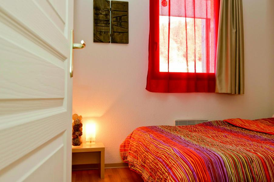 Holiday in mountain resort Les Terrasses du Soleil d'Or - Les Orres - Bedroom