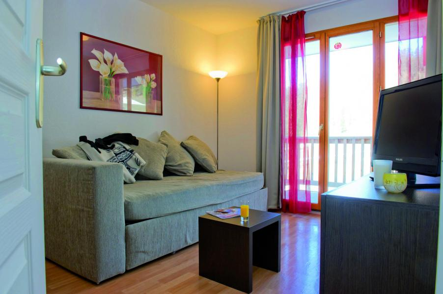 Holiday in mountain resort Les Terrasses du Soleil d'Or - Les Orres - Living room