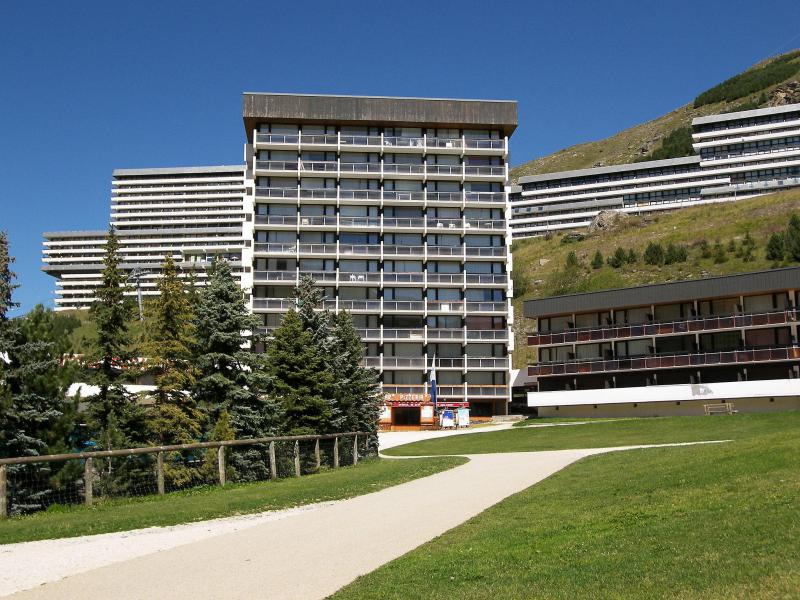 Holiday in mountain resort Pelvoux - Les Menuires - Summer outside