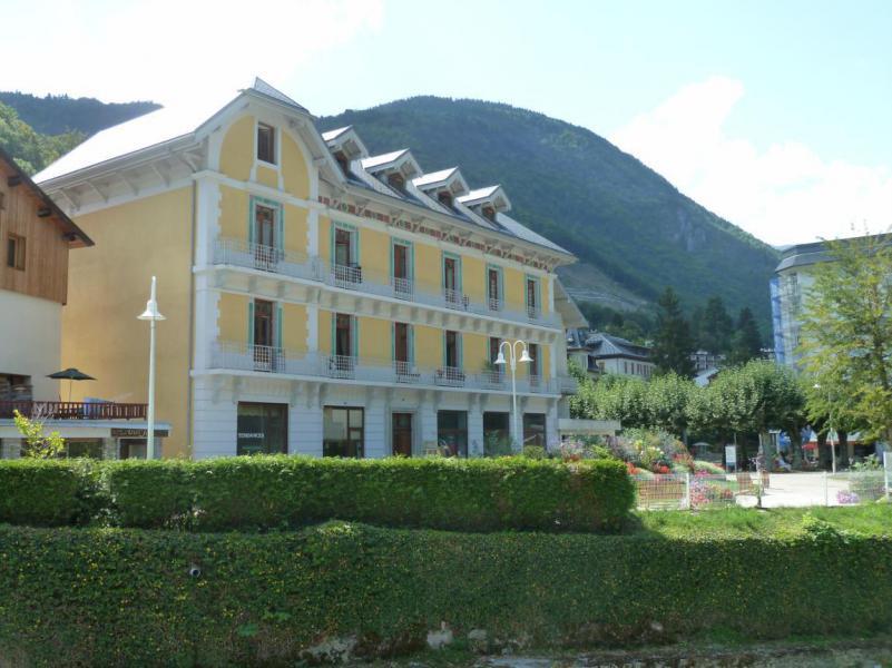 Holiday in mountain resort Résidence Acquadora - Brides Les Bains - Wash-hand basin