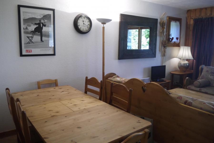 Vacances en montagne Appartement 3 pièces 6 personnes (004) - Résidence Alpages D - Méribel-Mottaret - Table
