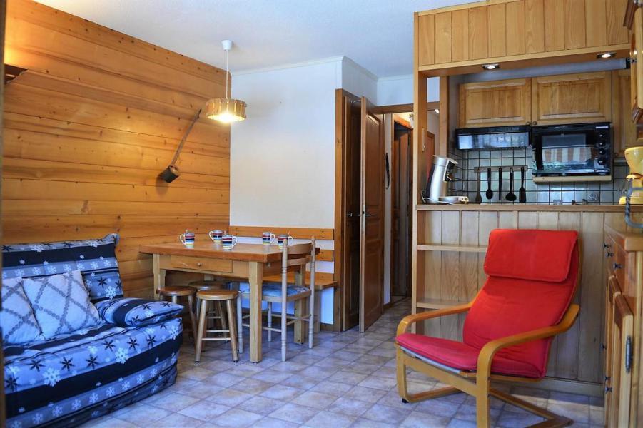 Urlaub in den Bergen 3-Zimmer-Appartment für 6 Personen (011) - Résidence Alpina - Le Grand Bornand - Wohnzimmer
