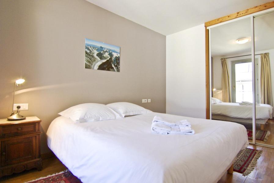 Vacanze in montagna Appartamento su due piani 4 stanze per 6 persone - Résidence Androsace - Chamonix - Letto