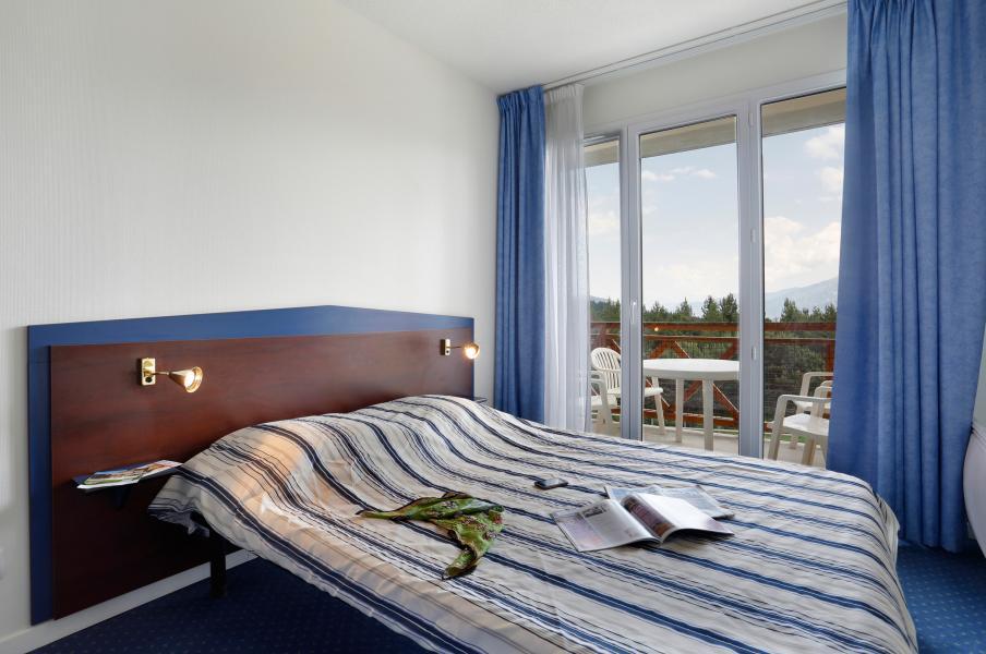 Holiday in mountain resort Résidence Appart'Vacances Pyrenées 2000 - Pyrénées 2000 - Bedroom