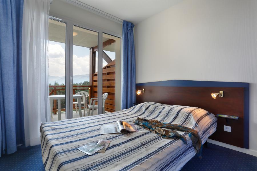 Holiday in mountain resort Résidence Appart'Vacances Pyrenées 2000 - Pyrénées 2000 - Double bed