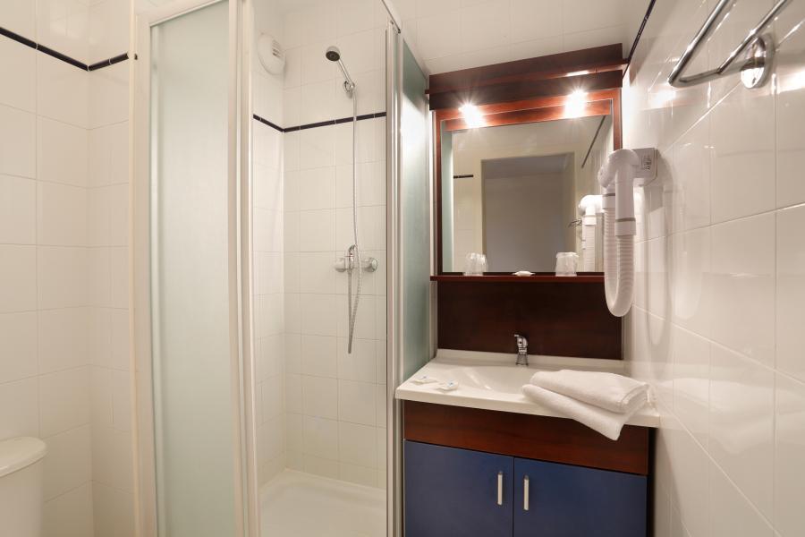 Holiday in mountain resort Résidence Appart'Vacances Pyrenées 2000 - Pyrénées 2000 - Shower room