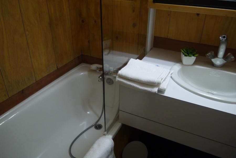 Vacances en montagne Appartement 2 pièces 5 personnes (064) - Résidence Arpasson - Méribel-Mottaret - Baignoire