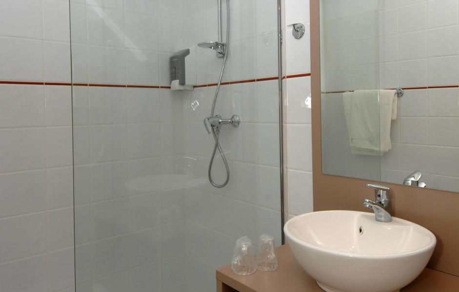 Vacances en montagne Résidence Balnéo Aladin - Cauterets - Salle de bains