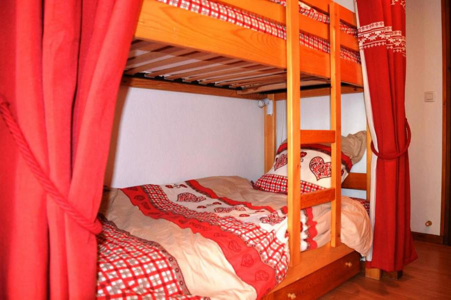 Holiday in mountain resort Studio sleeping corner 4 people (005) - Résidence Bargy - Le Grand Bornand