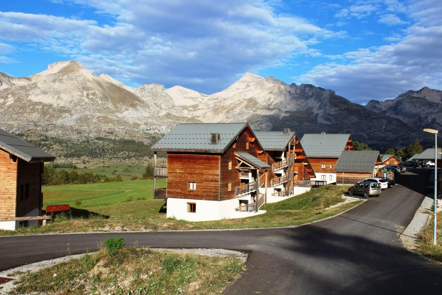 Wakacje w górach Résidence Bartavelle la Crête du Berger - La Joue du Loup - Na zewnątrz latem