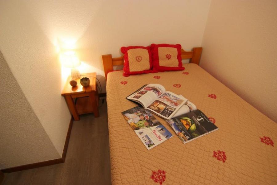 Vacances en montagne Appartement 3 pièces 6 personnes (3) - Résidence Beau Soleil - Val Thorens - Poêle à bois