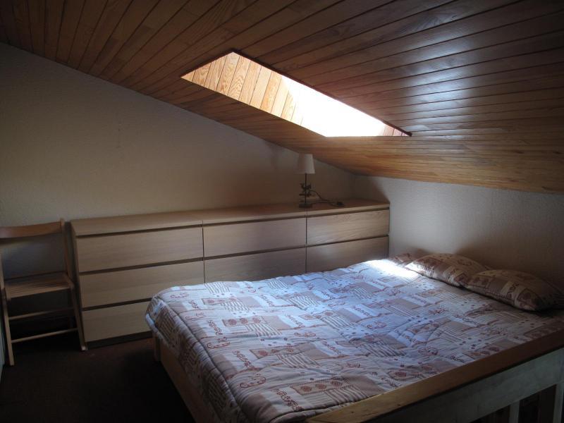 Vacances en montagne Appartement duplex 2 pièces 6 personnes (34) - Résidence Belvédère - La Plagne - Chambre mansardée