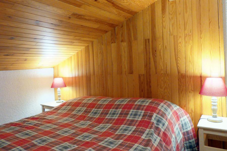 Vacances en montagne Appartement duplex 3 pièces 8 personnes (B18) - Résidence Candide - Méribel-Mottaret