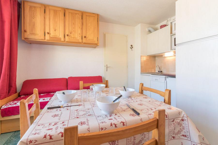 Holiday in mountain resort 2 room apartment 5 people (SMOQ10) - Résidence Central Station - Montgenèvre