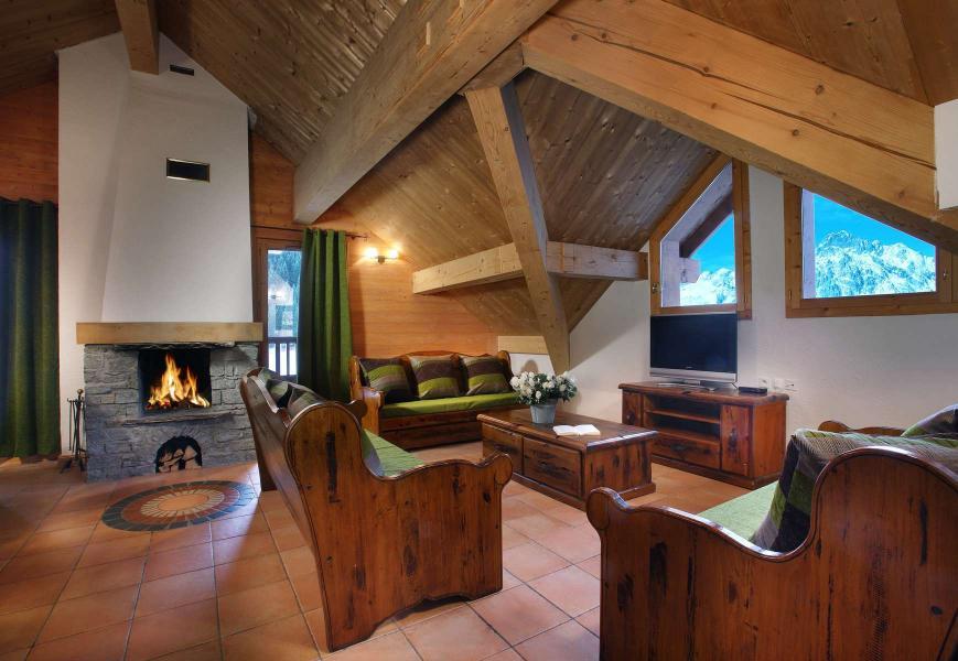 Vacances en montagne Résidence Chalet des Neiges - Oz en Oisans - Cheminée