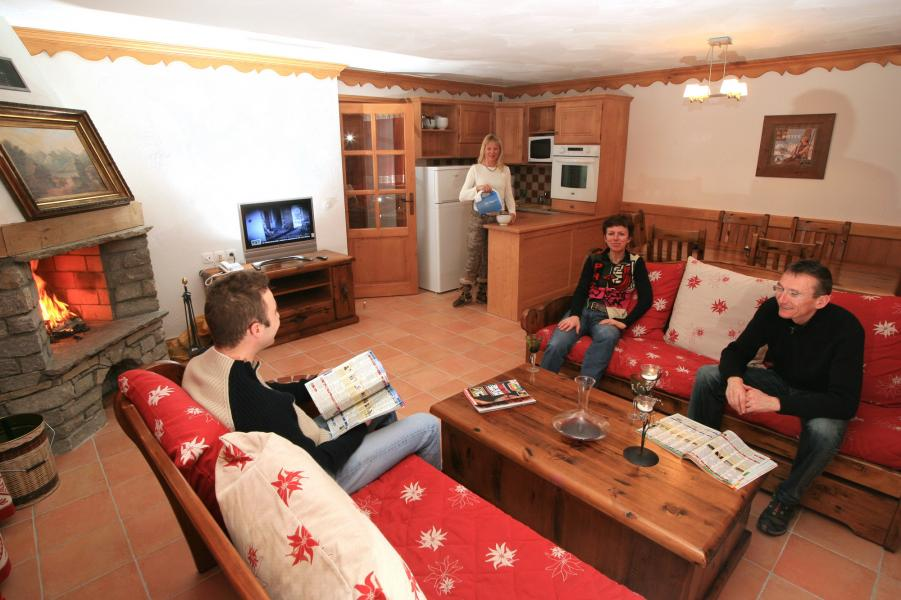 Holiday in mountain resort Résidence Chalet des Neiges Plein Sud - Val Thorens - Living room