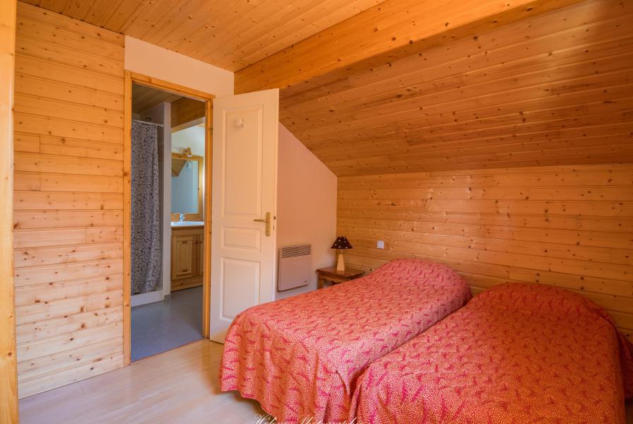 Vacances en montagne Résidence Chalets Margot - Superdévoluy - Chambre mansardée