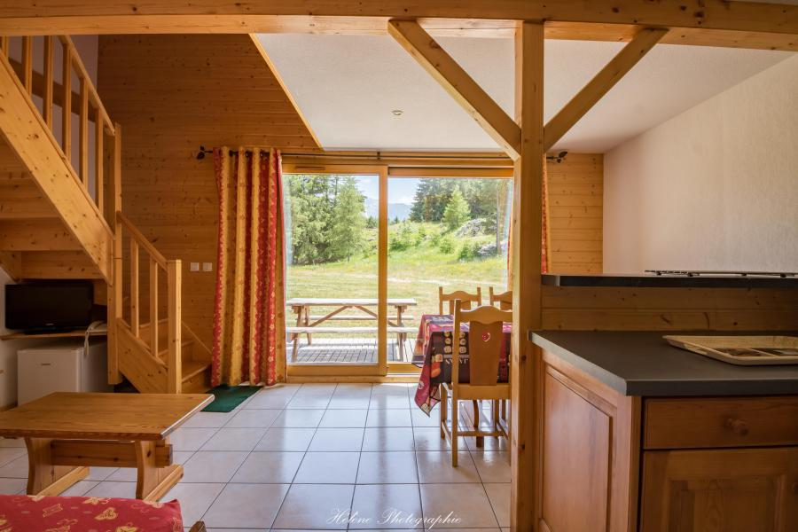 Holiday in mountain resort Résidence Chalets Margot - Superdévoluy - Living room