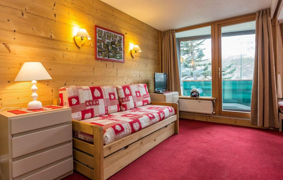 Holiday in mountain resort Résidence Chanteneige Croisette - Les Menuires - Sofa-bed