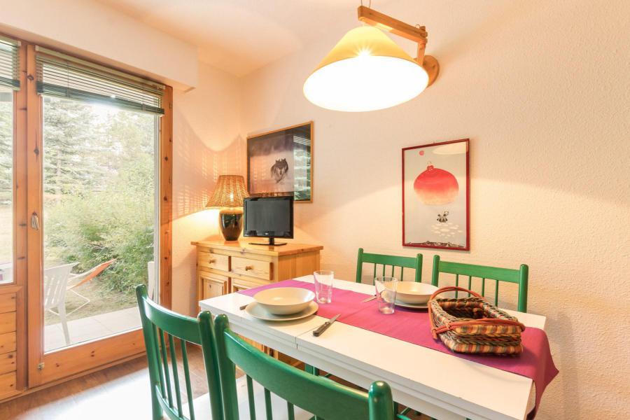 Vacances en montagne Studio coin montagne 4 personnes (4) - Résidence Chardons Bleus - Serre Chevalier - Table