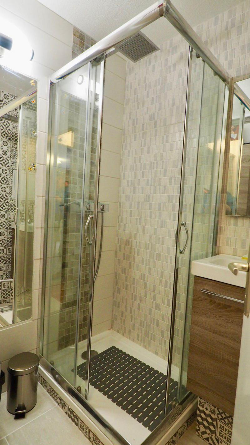 Vacances en montagne Appartement 2 pièces cabine 6 personnes (105) - Résidence Cheval Blanc - Valfréjus - Salle d'eau